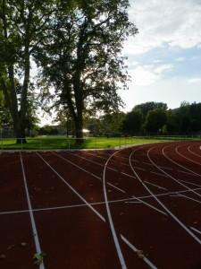 100m-Start mit Blick zum Freibad